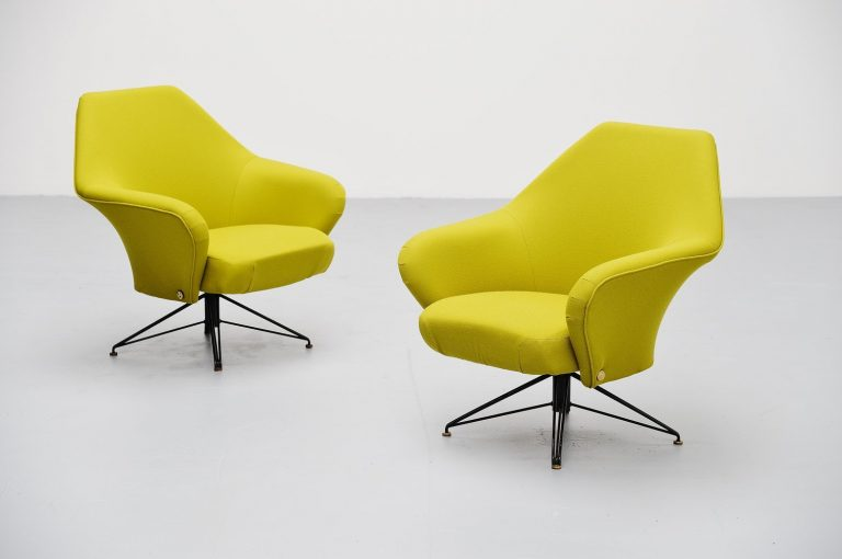 Osvaldo Borsani P32 lounge chairs Tecno Italy 1956