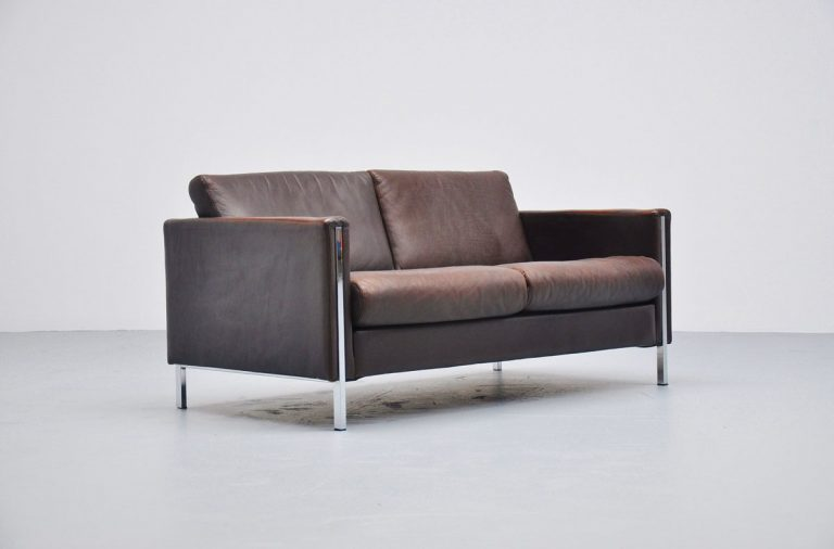 Pierre Paulin 442/2 sofa in brown leather Artifort 1962