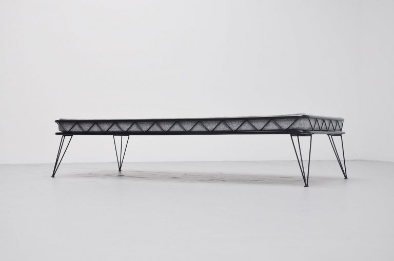 Wim Rietveld Arielle daybed black and grey Holland 1955