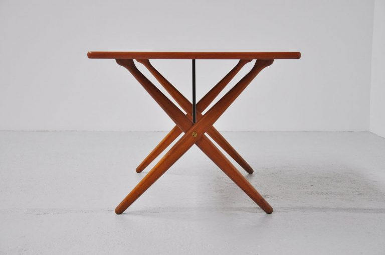 Hans J Wegner AT303 table Andreas Tuck 1955