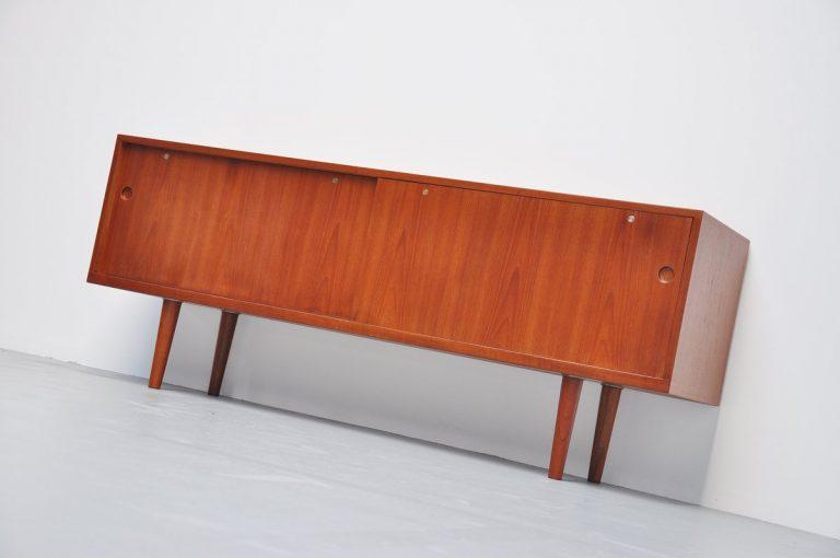 Hans J. Wegner RY26 teak sideboard RY Mobler 1965