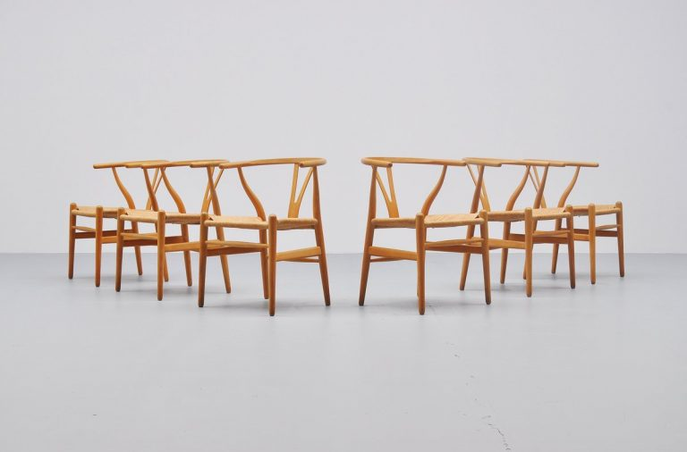 Hans Wegner Wishbone chairs CH24 Carl Hansen 1970s