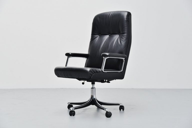 Osvaldo Borsani Tecno desk chair Italy 1966