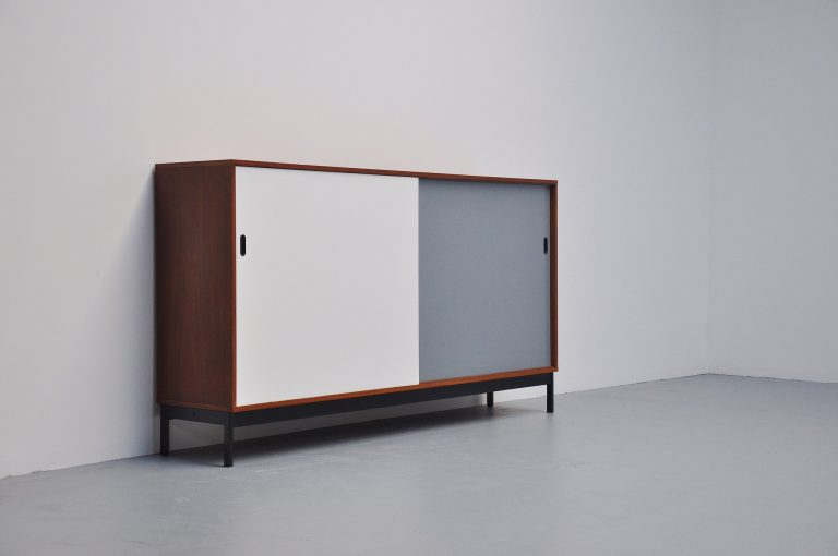 Modernist school credenza Knoll style 1950