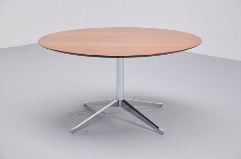 Knoll round dining table Florence Knoll 1960