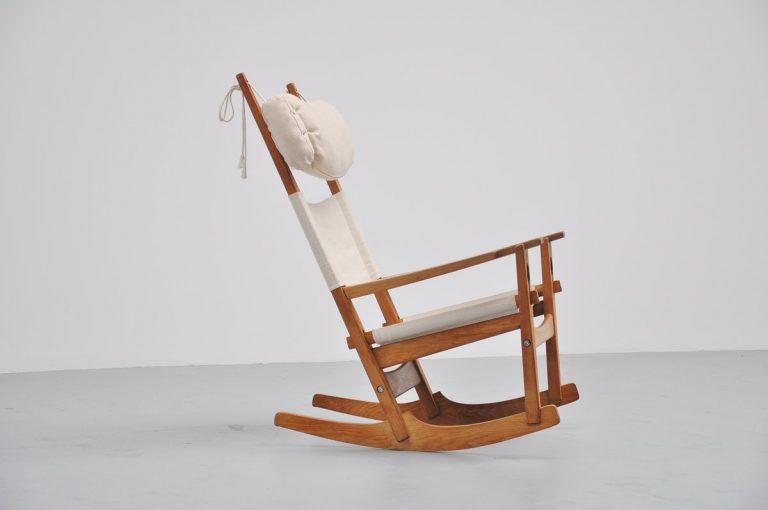Hans J. Wegner Keyhole rocking chair for Getama Denmark 1967