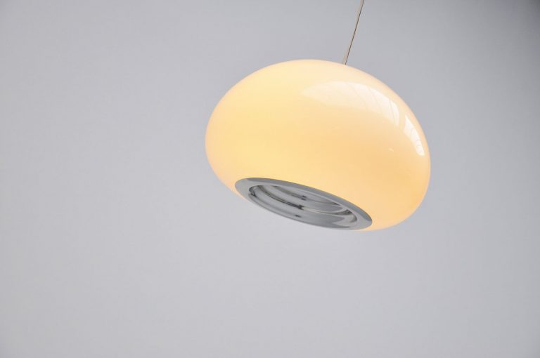 Achille Castiglioni hanging lamp Flos 1965