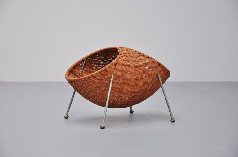 Jonkers magazine basket for Rohe, Holland 1950