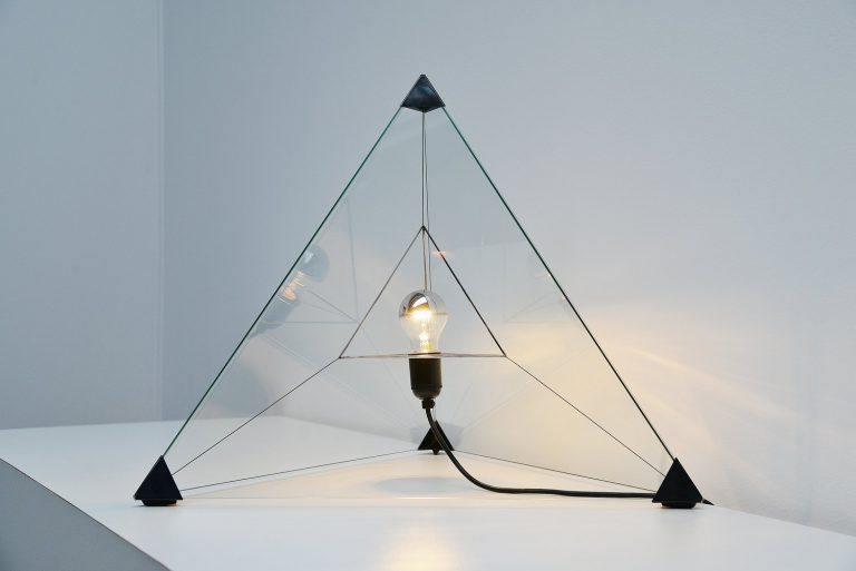 Tetrahedron table lamp by Frans van Nieuwenborg Indoor 1979