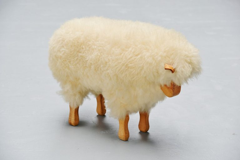 Decorative sheep in style of Francois Xavier Lalanne 1970