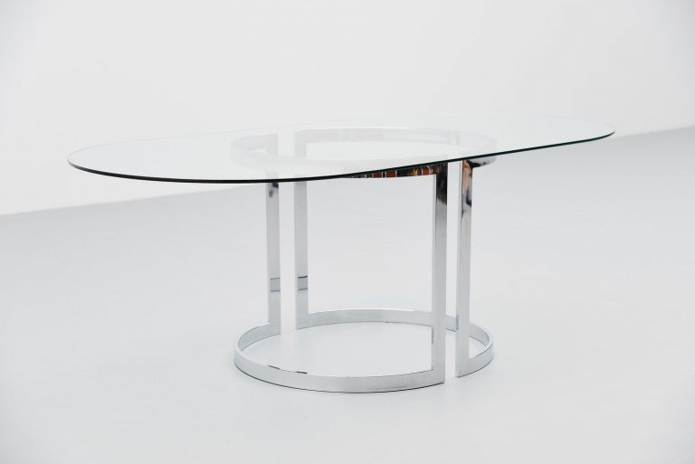 Oval cidue dining table Italy 1970