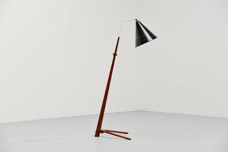 Nigel Walters floor lamp for Willem Hagoort Holland 1959