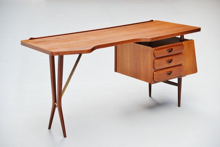 Louis van Teeffelen writing desk by Webe 1959