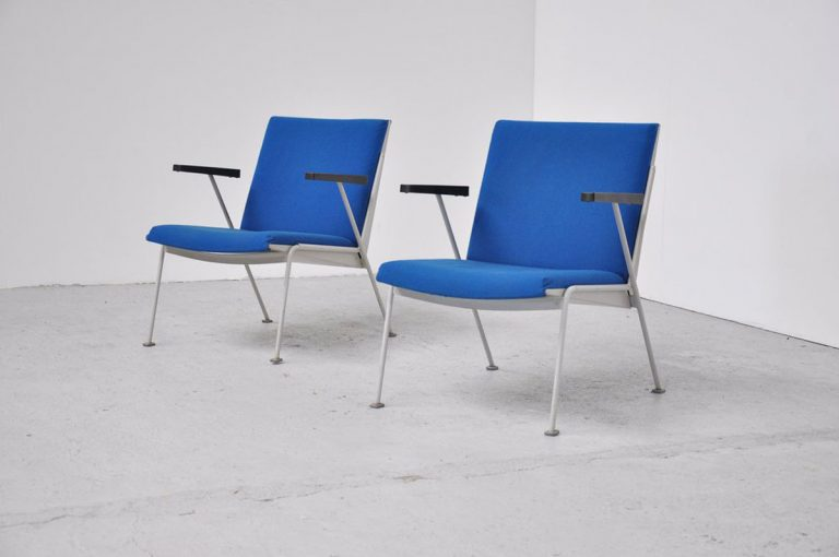 Oase Wim Rietveld chairs Ahrend blue 1958