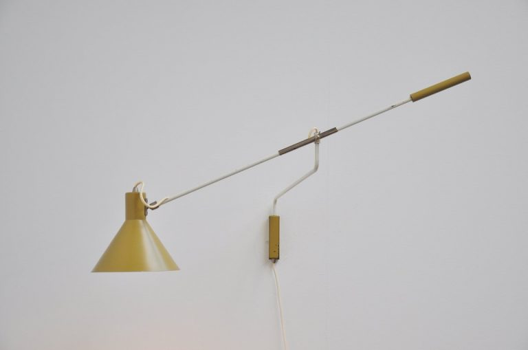 Anvia counter weight wall lamp by JJM Hoogervorst 1955