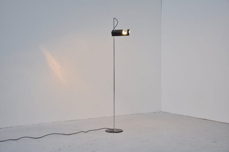 Joe Colombo spider floor lamp black Oluce 1964