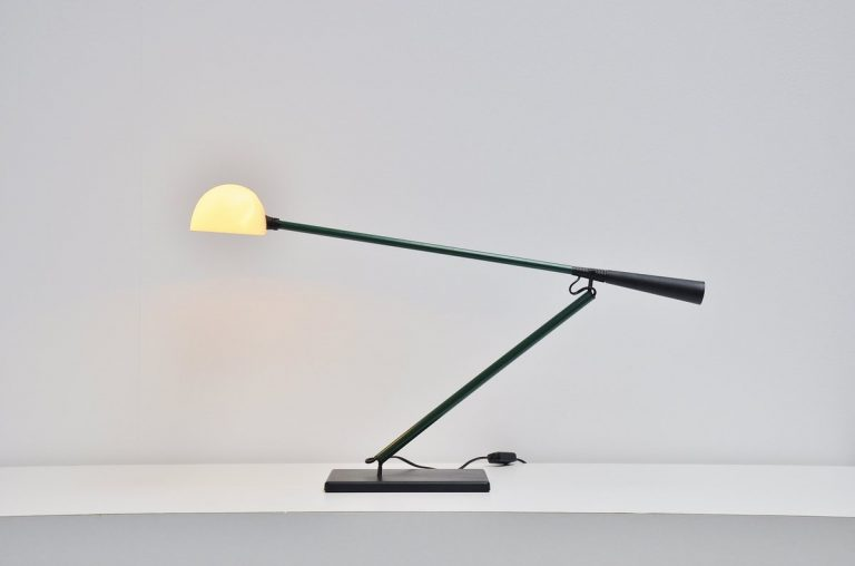 Paolo Rizzatto Arteluce desk/table lamp Model 613 Italy 1975