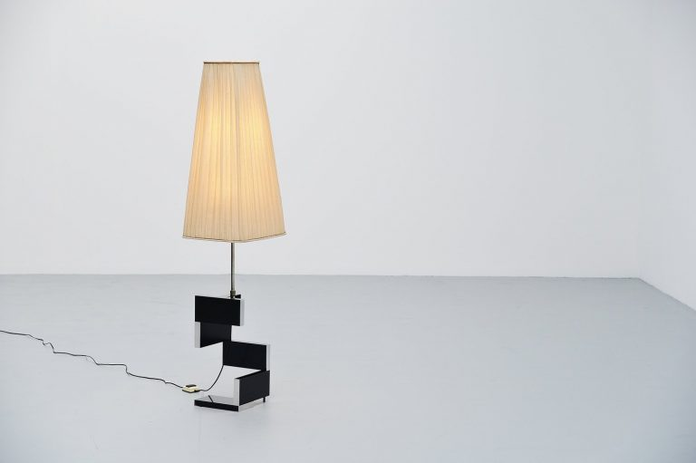 Artiforte brutalist floor lamp Holland 1959