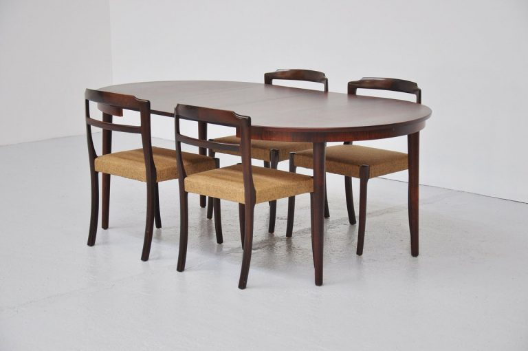 Oval rosewood dining table Denmark 1960