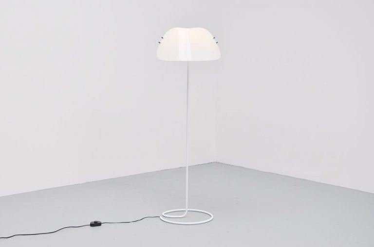 Vico Magistretti Melilla 370 floor lamp for Oluce 1978