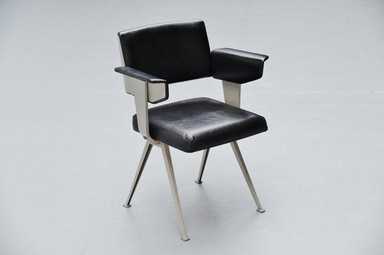 Friso Kramer Resort armchair Ahrend de Cirkel 1960