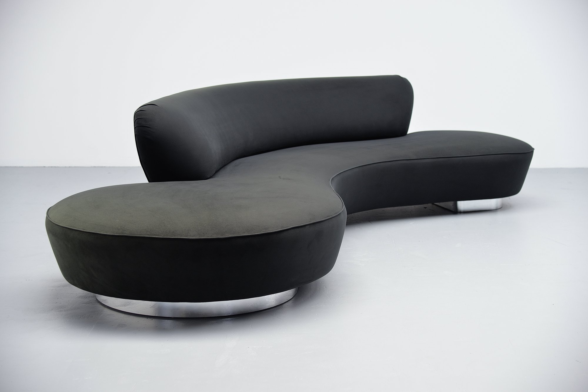 Vladimir Kagan Serpentine Sofa Large Directional 1999