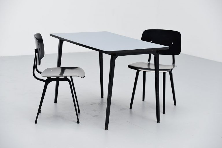 Friso Kramer Reform table Ahrend de Cirkel blue top 1955