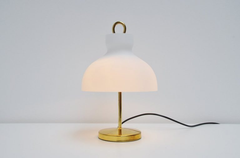 Ignazio Gardella Arenzano table lamp for Azucena 1956