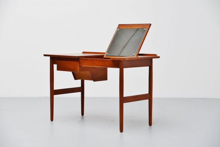 Arne Vodder vanity table in teak Sibast Mobler Denmark 1960