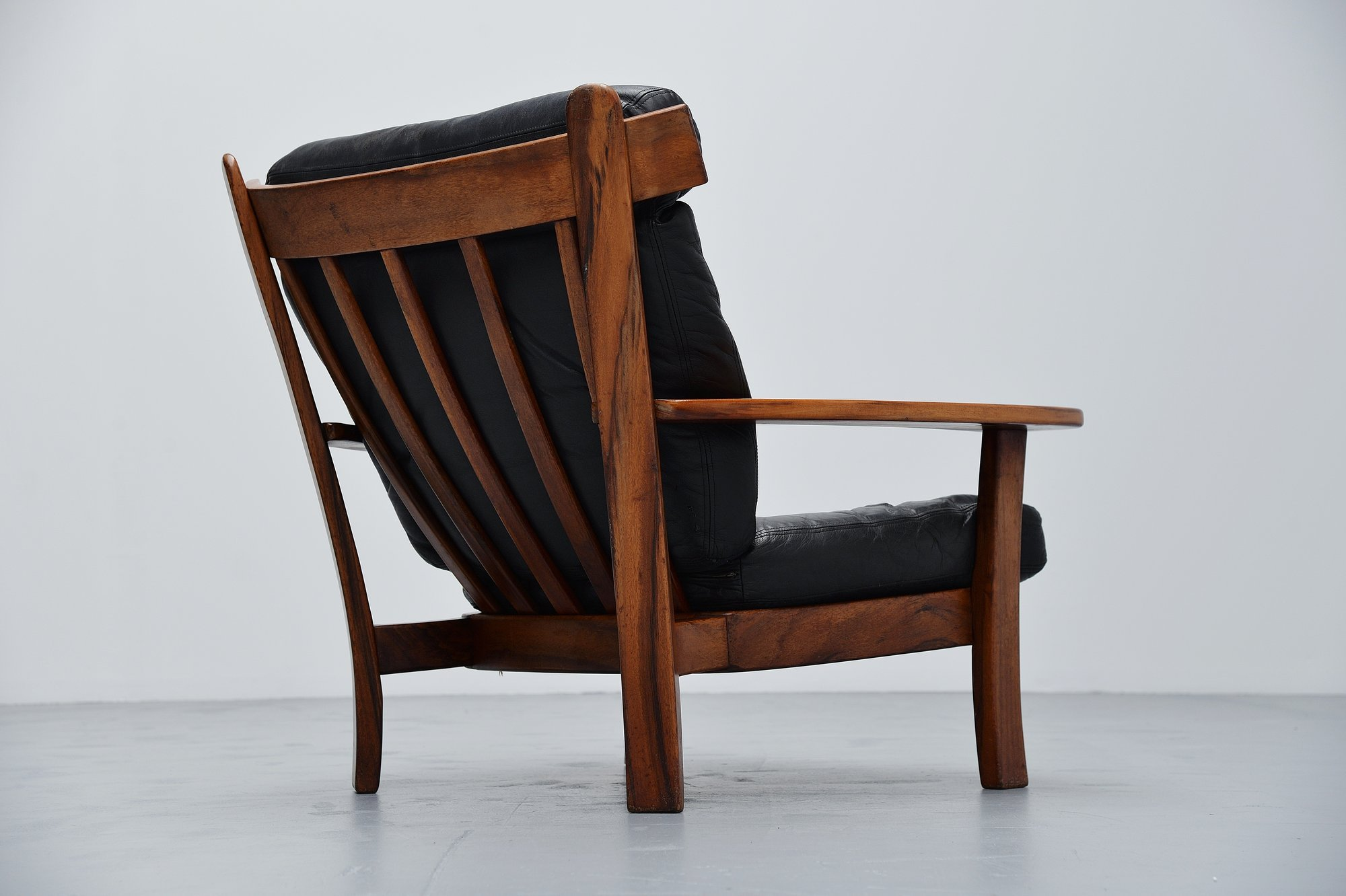 Superb Brazilian Ox Lounge Chair In Rosewood And Leather 1960 Ibusinesslaw Wood Chair Design Ideas Ibusinesslaworg