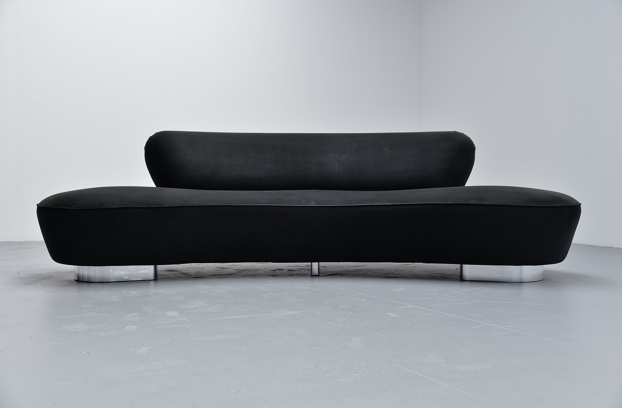 Vladimir Kagan Serpentine Sofa Small Directional 1999