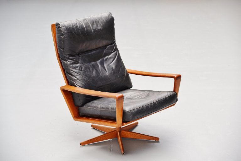 Arne Wahl Iversen swivel lounge chair Komfort Denmark 1960