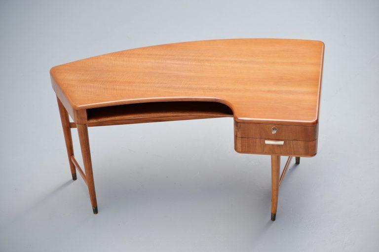 A.A. Patijn ladies desk Zijlstra meubelen Holland 1950