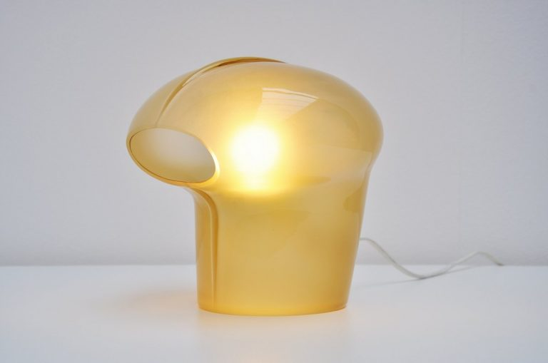 Gino Vistosi visor table lamp in yellow glass 1970
