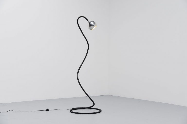 Snake floor lamp made in Italy 1970