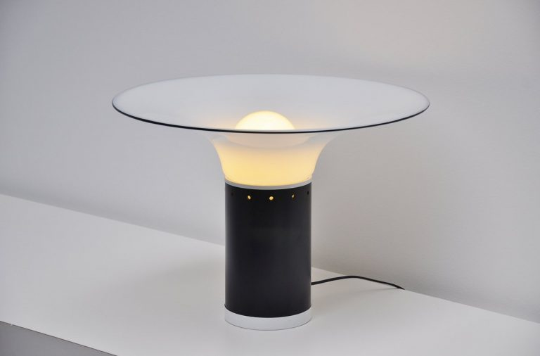 Vistosi black and white table lamp Italy 1970