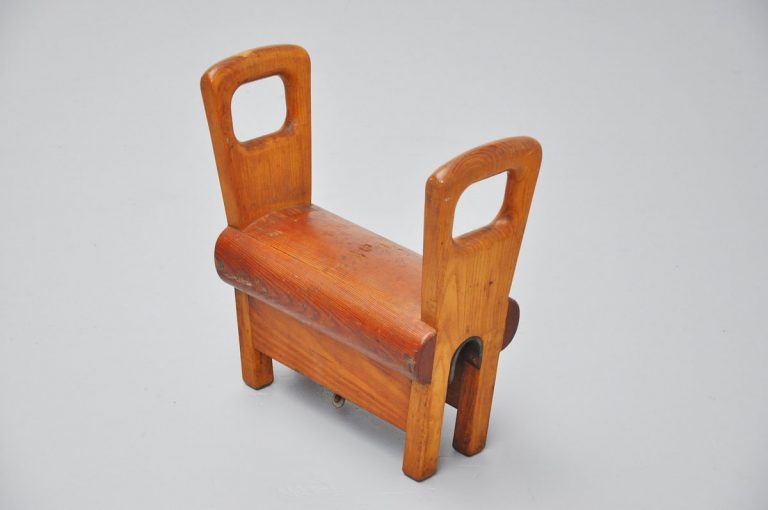 Wooden gymnastic jumpseat Holland 1950
