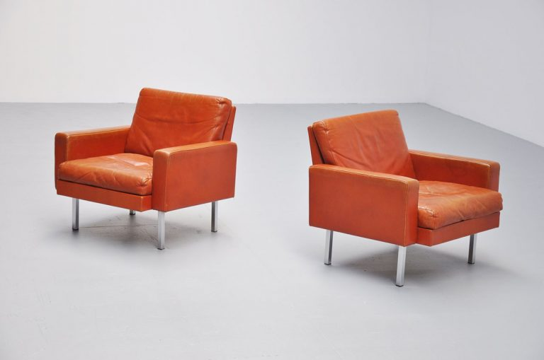 Martin Visser SZ44 club chairs in cognac 1964