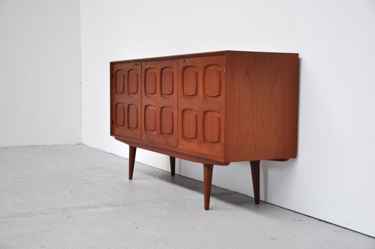 Gustav Bahus graphic doors teak sideboard Norway 1960