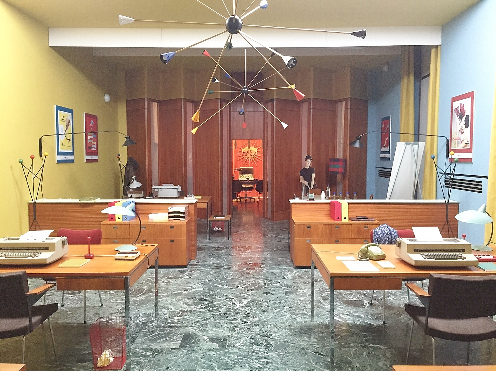 Movie setting for 1950's tv series in office decor ...
