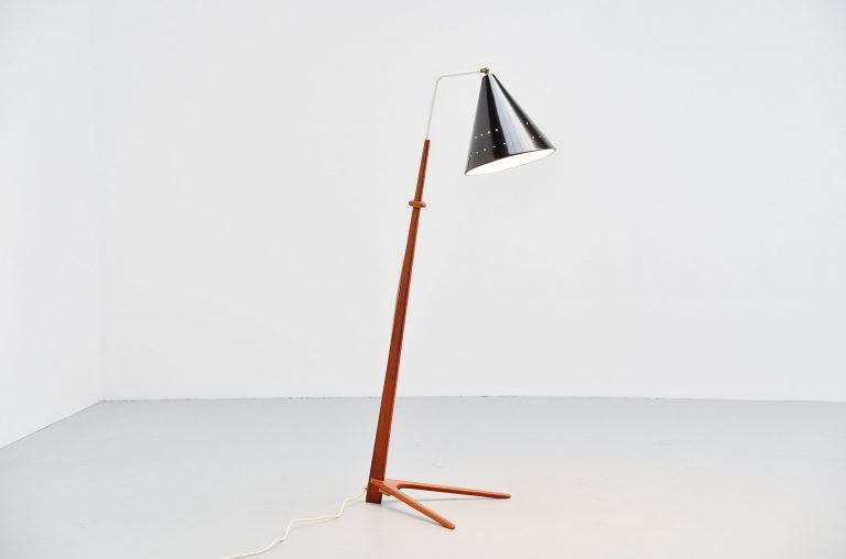 Willem Hagoort floor lamp by Nigel Walters Holland 1959