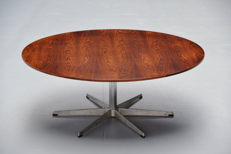 Arne Jacobsen circle table in rosewood, Denmark 1955