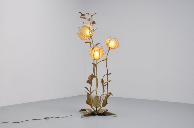 Large flower shaped floor lamp France 1975