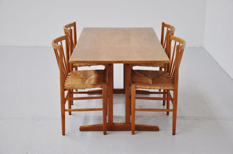 Borge Mogensen shaker table oak Fredericia 1947