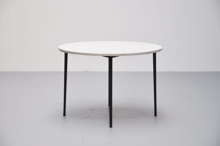 Friso Kramer round Reform table Ahrend 1955
