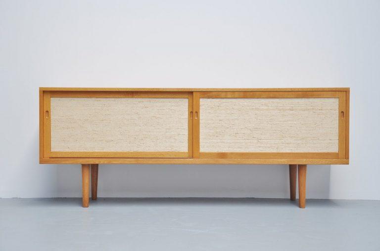 Hans J. Wegner RY26 sideboard for RY Mobler 1965