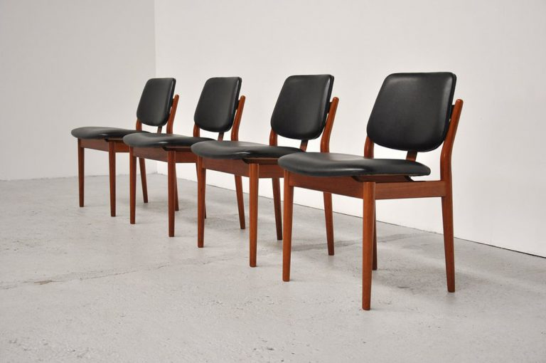 Arne Vodder Sibast teak dining chairs 1961