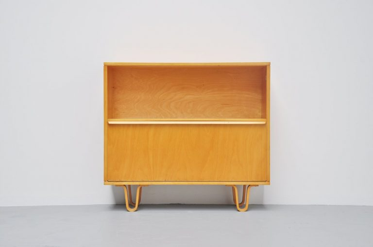Pastoe BB05 small birch cabinet Cees Braakman 1954