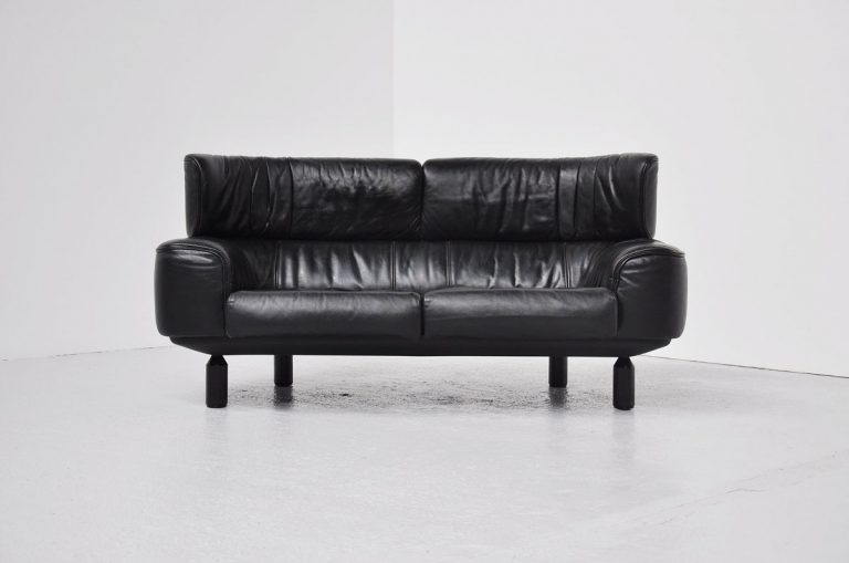 Gianfranco Frattini Bull sofa Cassina 1987