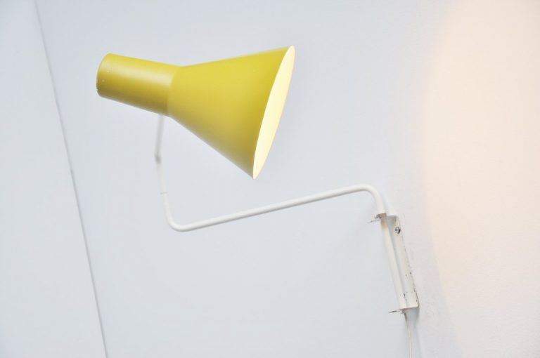 Anvia paperclip wall lamp by JJM Hoogervorst 1960